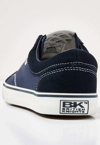 British Knights - Sneakers - navy/white - 3