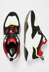 British Knights - CHUNKY - Sneakers laag - black/white/green/red - 1