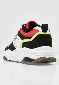 British Knights - CHUNKY - Sneakers laag - black/white/green/red - 3