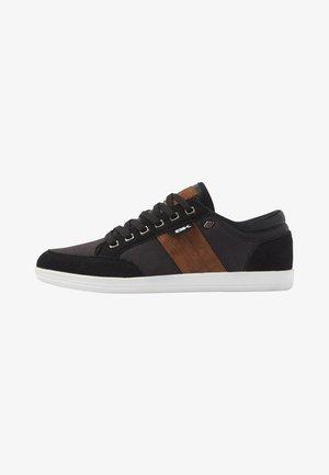 KUNZO - Sneakers laag - black/cognac