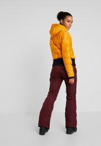 Brunotti - FIRECROWN WOMEN JACKET - Snowboardjas - autumn yellow - 2