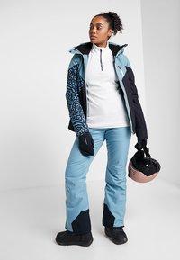 Brunotti - SHEERWATER WOMEN SNOWJACKET - Snowboard jacket - polar blue - 1
