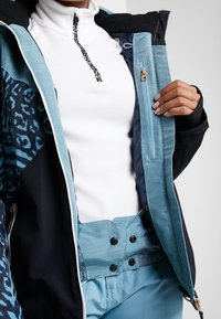 Brunotti - SHEERWATER WOMEN SNOWJACKET - Snowboard jacket - polar blue - 5
