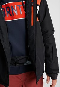 Brunotti - GLEASON MENS SNOWJACKET - Snowboardová bunda - black - 4