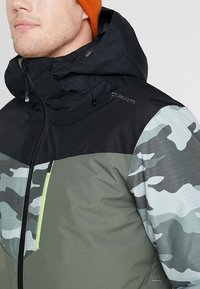 Brunotti - DAKOTO MENS SNOWJACKET - Snowboardjas - beetle green - 11