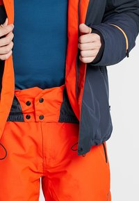 Brunotti - IDAHO MENS SNOWJACKET - Laskettelutakki - heat - 8