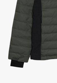 Brunotti - TRYSAIL BOYSSNOW JACKET - Laskettelutakki - beetle green - 3