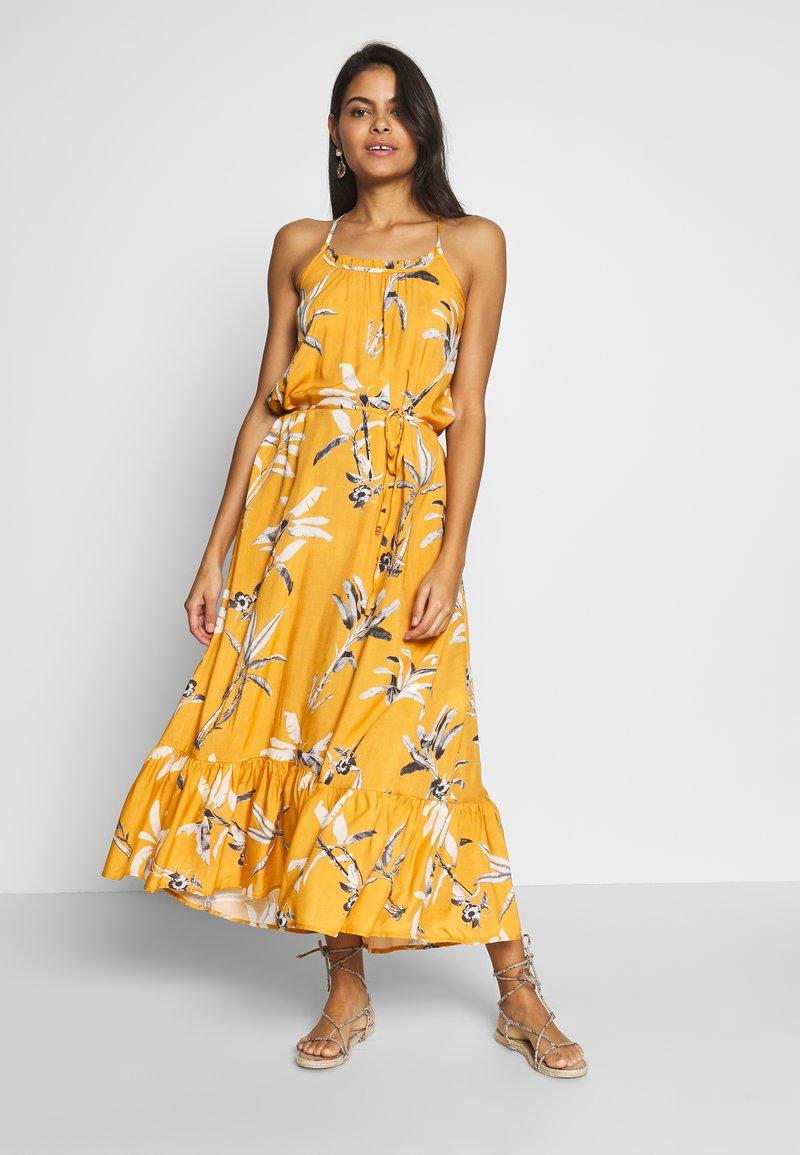 Brunotti - CIA WOMEN DRESS - Ranta-asusteet - autumn yellow