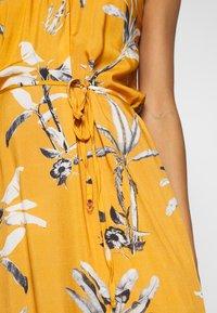Brunotti - CIA WOMEN DRESS - Ranta-asusteet - autumn yellow - 5