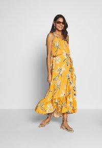 Brunotti - CIA WOMEN DRESS - Ranta-asusteet - autumn yellow - 1