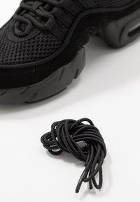 Bloch - DANCE BOOST - Obuwie treningowe - black - 6