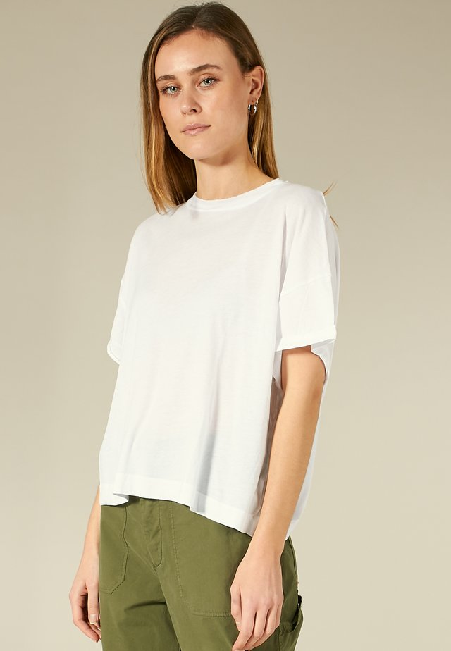 T-SHIRT MIT OFFENER KANTE - T-shirt basique - turn up cuff, white