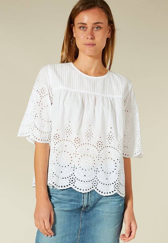 LOCHSTICKEREI - T-shirt à manches longues - white embro