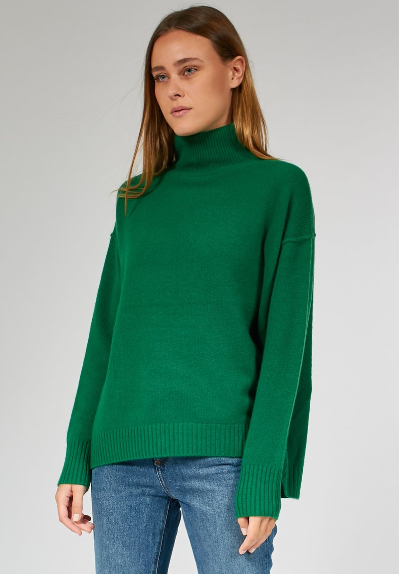 Bloom - RELAXED HIGH NECK - Trui - green