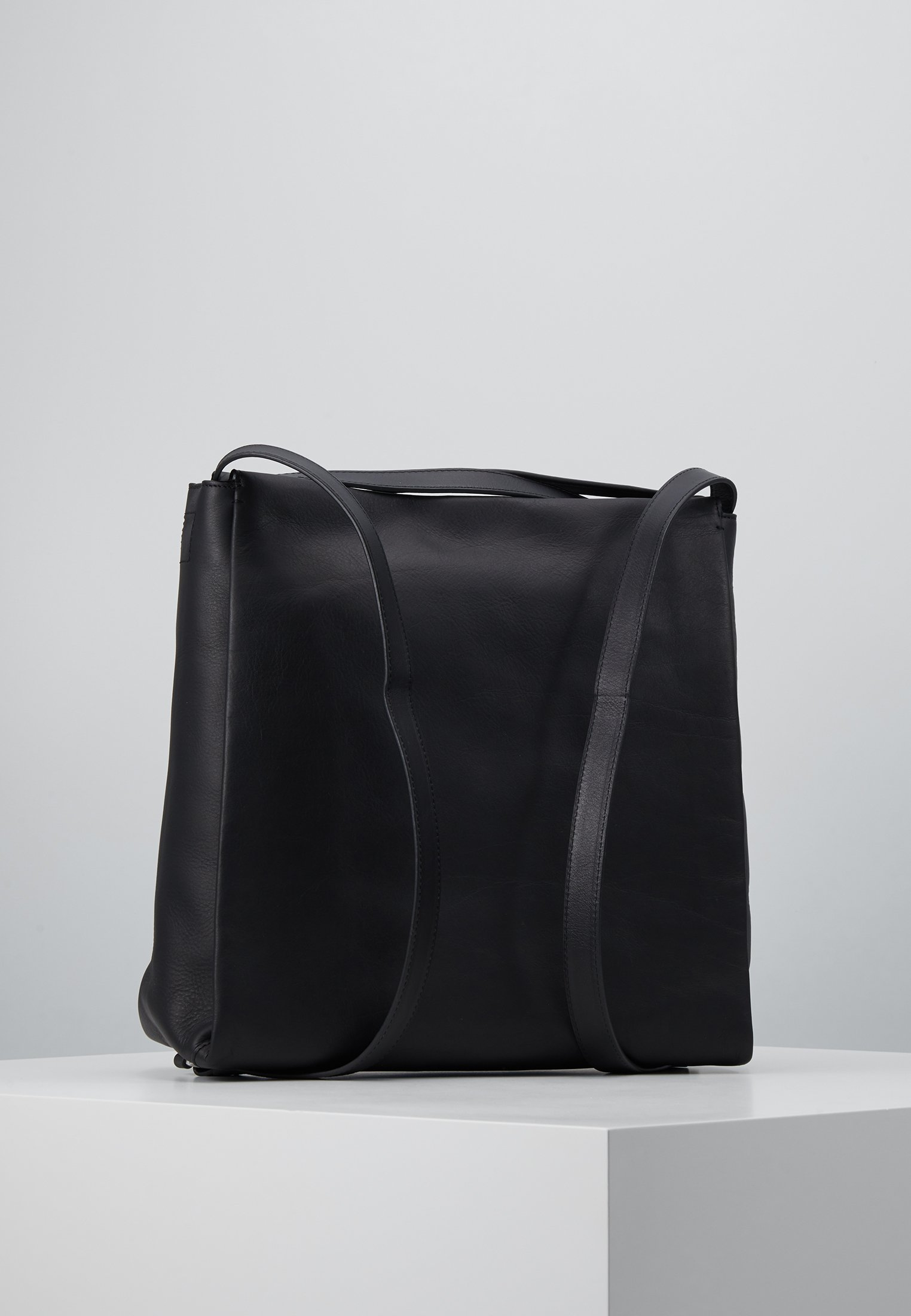 Bree PURE HOBO BACKPACK - Ryggsäck - black