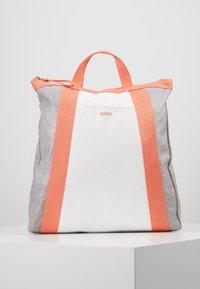 Bree - VARY BACKPACK - Plecak - grey/white/sunset - 0
