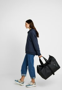 Bree - PUNCH - Weekend bag - black - 6
