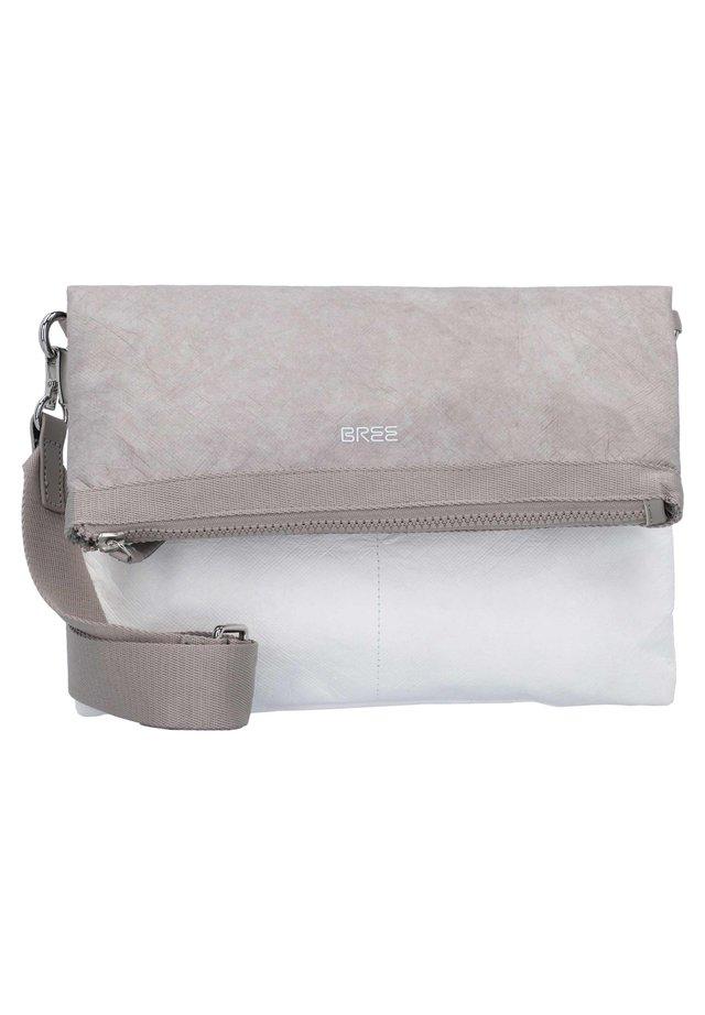 BREE VARY 4 UMHÄNGETASCHE 29 CM - Across body bag - grey/white
