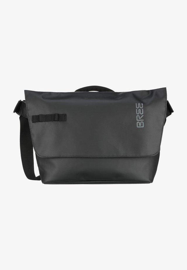 PUNCH  - Across body bag - black