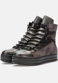 Betsy - Platform ankle boots - dark grey/black - 2