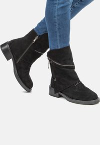Betsy - Classic ankle boots - black - 0