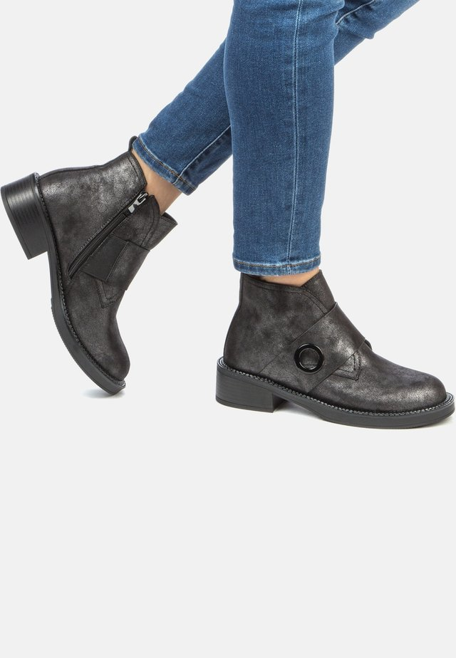 Classic ankle boots - dark silver