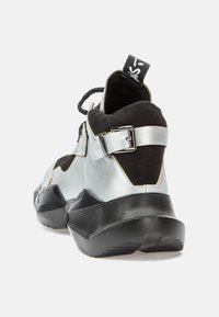 Betsy - Trainers - silver/black - 4