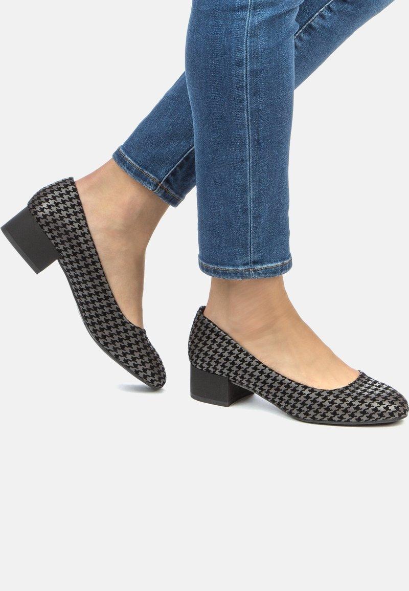 Betsy - Classic heels - black