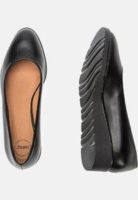 Betsy - Classic heels - black - 2