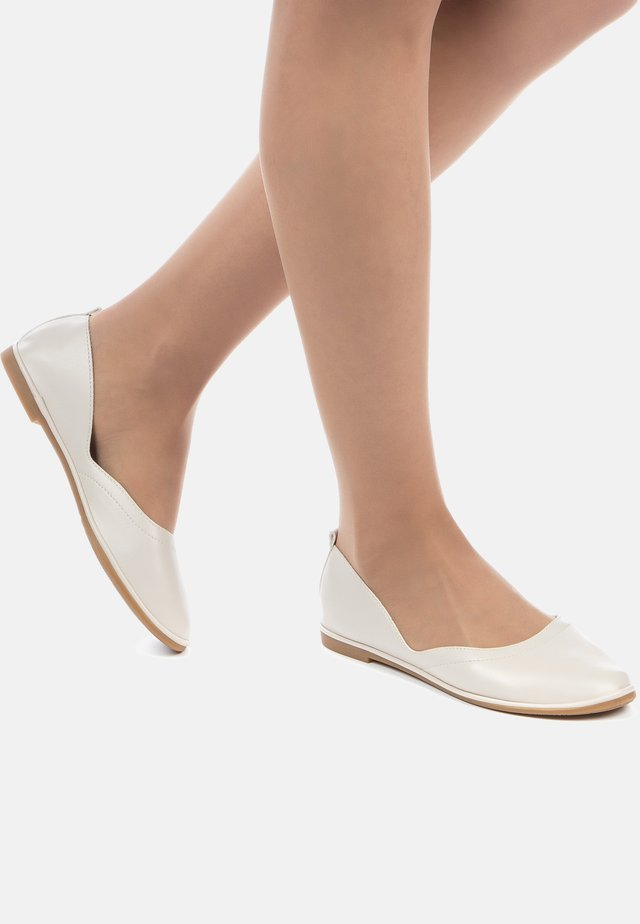 BALLERINES - Ballet pumps - beige clair
