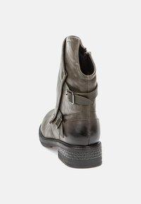 Betsy - Cowboy/biker ankle boot - khaki - 4
