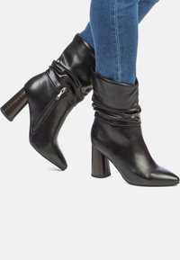 Betsy - High heeled ankle boots - black - 0