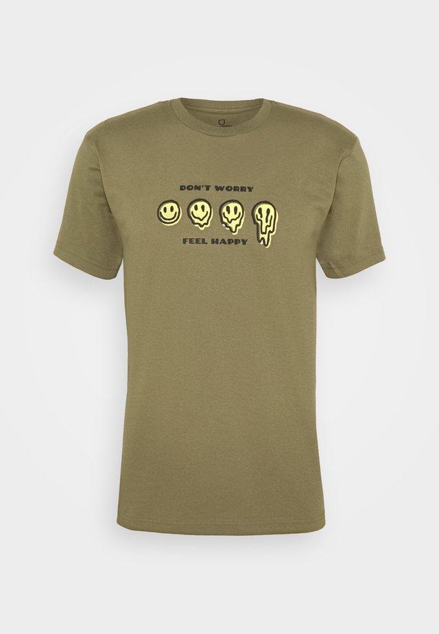 MELTER  - T-shirt imprimé - military olive