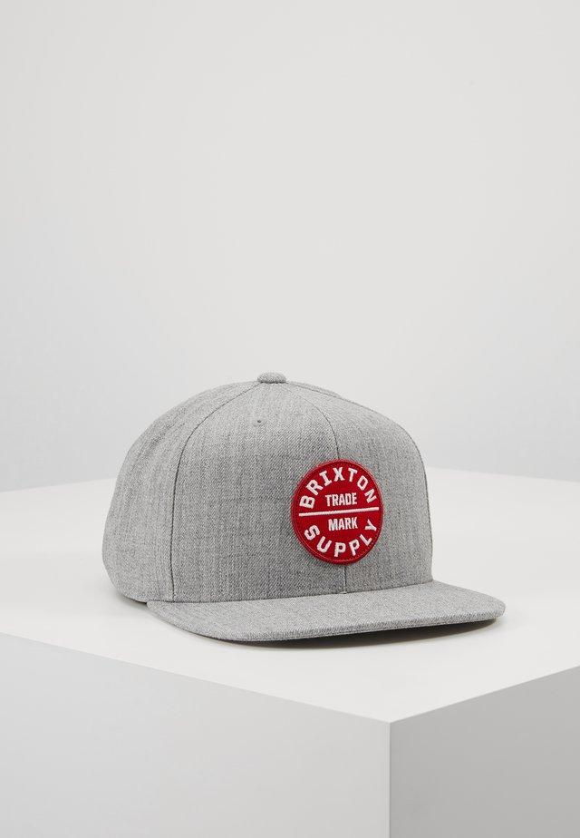 OATH SNAPBACK - Cap - heather grey lava red