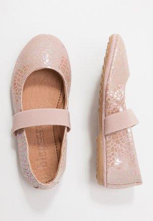 QUINN - Ankle strap ballet pumps - shell