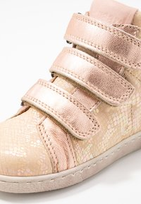 Bisgaard - TRAINERS - High-top trainers - creme - 2