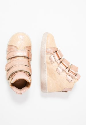 TRAINERS - Sneakersy wysokie - creme