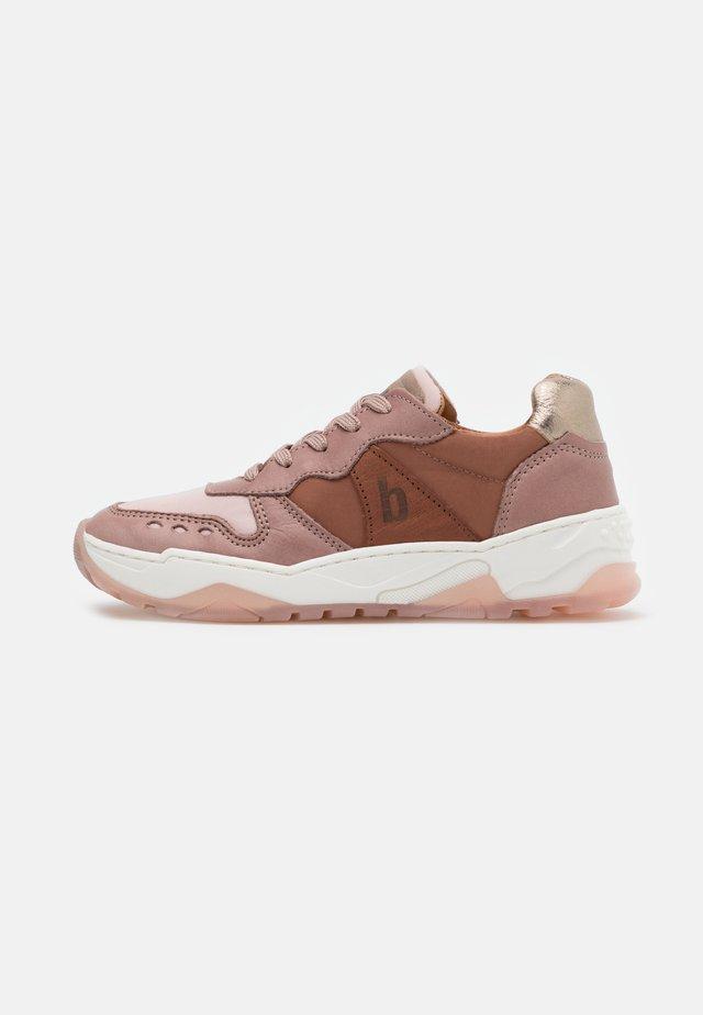 VILLADS - Sneaker low - praline