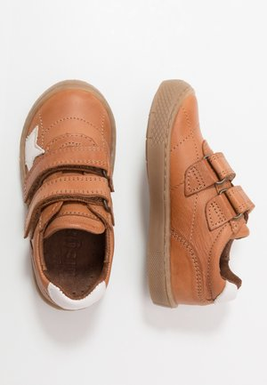 JANA SHOE - Trainers - cognac