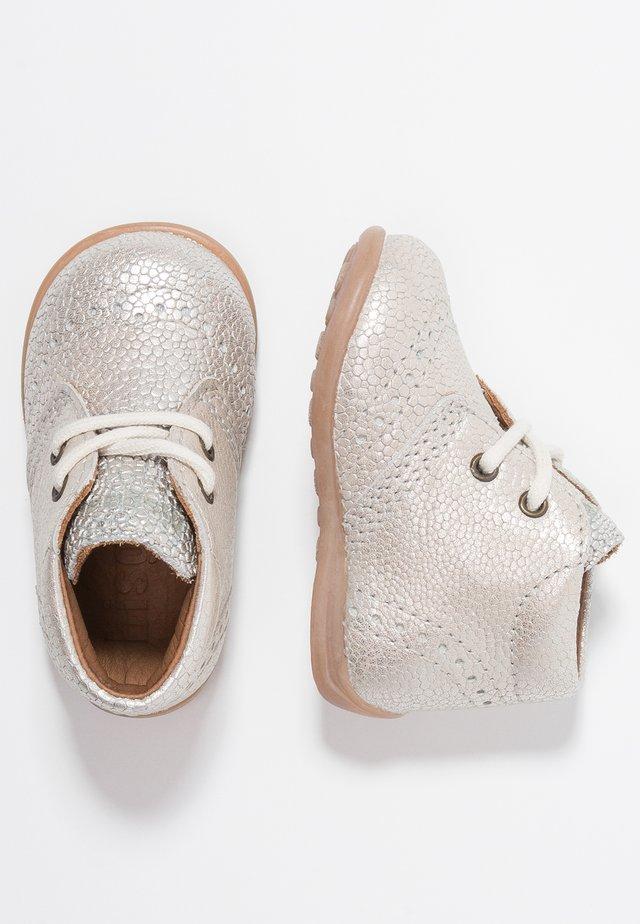 Lær-at-gå-sko - silver