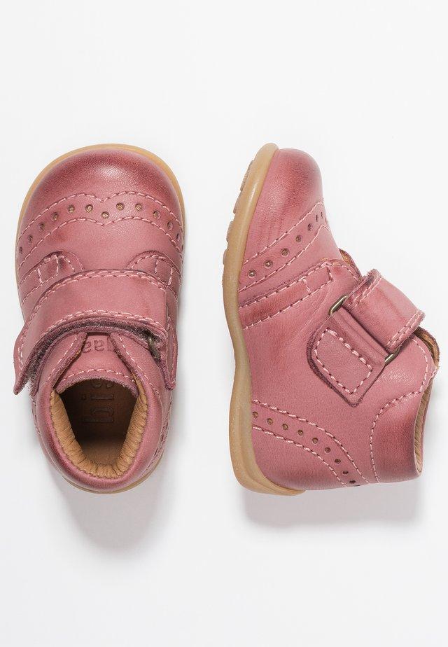 PREWALKER - Lära-gå-skor - rosa