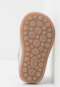 Bisgaard - CLASSIC PREWALKER - Baby shoes - silver - 5