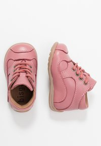Bisgaard - CLASSIC PREWALKER - Baby shoes - rosa - 0