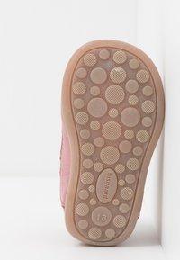 Bisgaard - CLASSIC PREWALKER - Baby shoes - rosa - 5