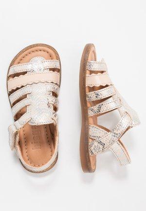 BESS  - Sandaler - silver