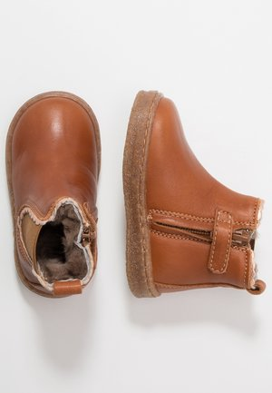 BOOTIES - Dětské boty - cognac