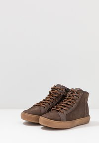 Bisgaard - TRAINERS - High-top trainers - coffee - 3