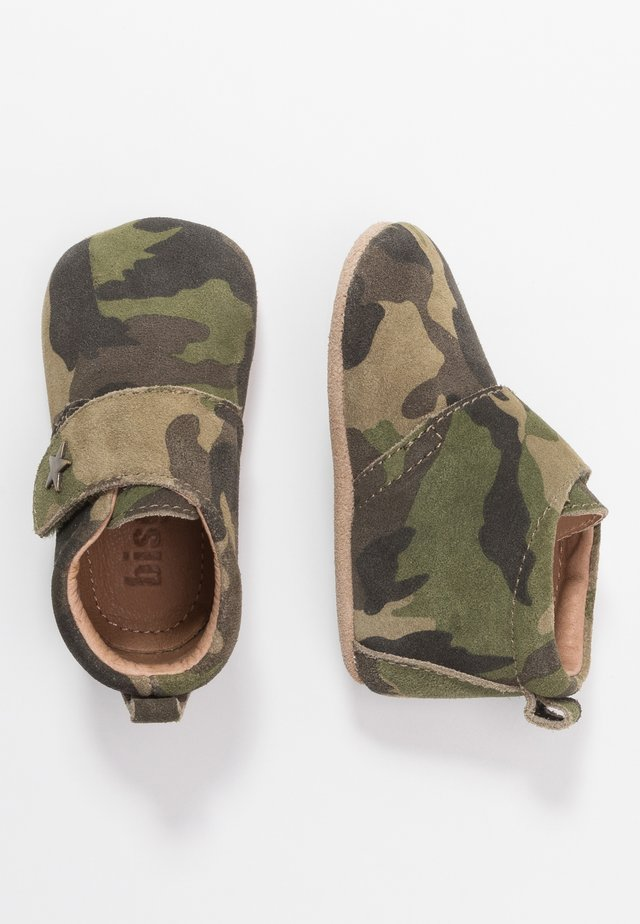 BABY STAR HOME SHOE - Krabbelschuh - army