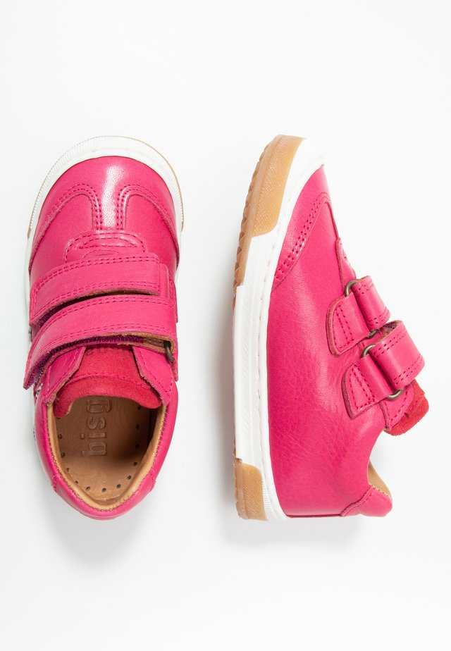 JOHAN SHOE - Matalavartiset tennarit - pink