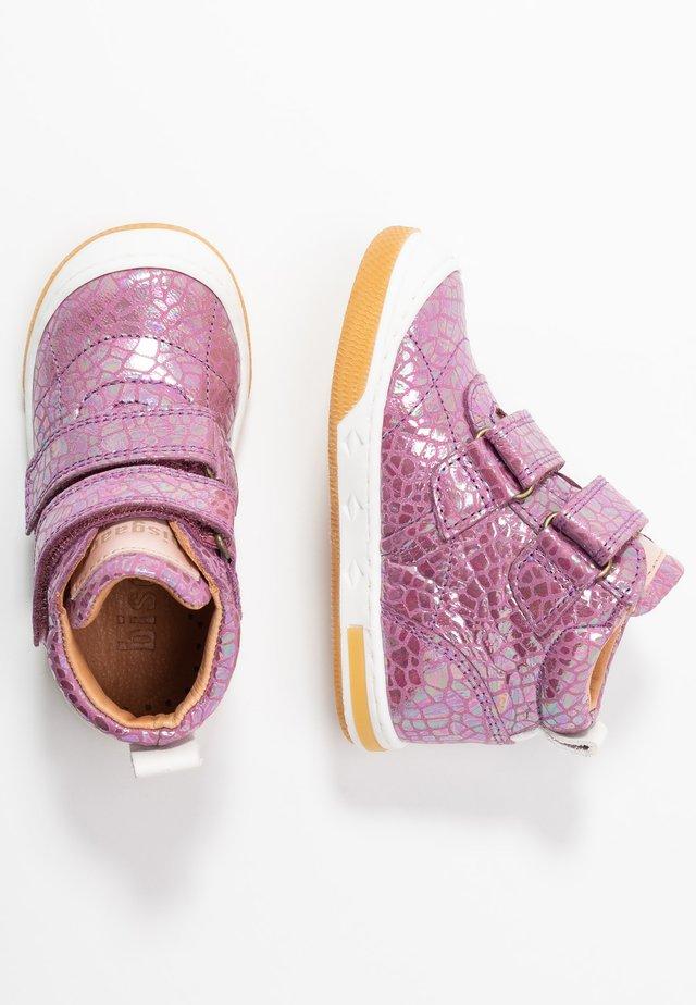 JUNO SHOE - Sneakers alte - grape